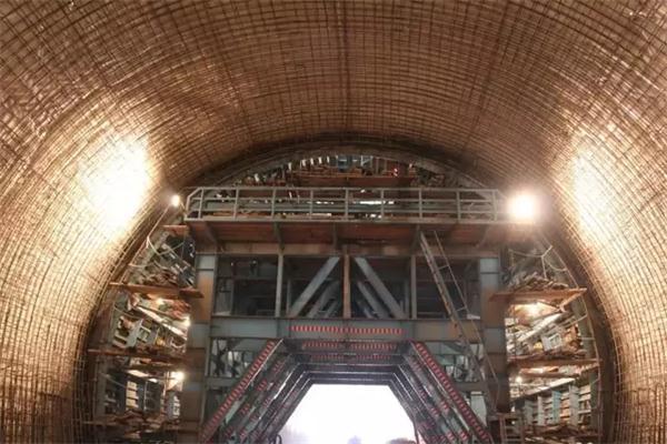 优酷门_隧道标准化施工现场都有哪些先进机械与创新技术? - 行业资讯 ...